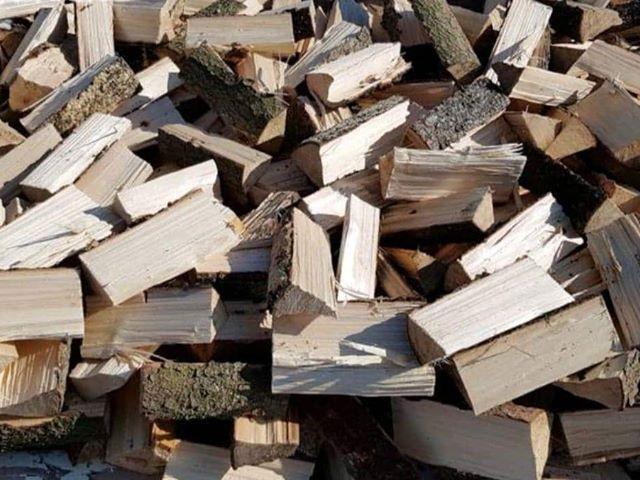 Smrk palivové dřevo